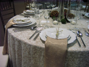 Rich & Rustic Autumn Tablescapes_1